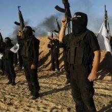 یک منبع امنیتی در استان نینوا اعلام کرد که گروه تروریستی داعش گوش ۳۳ عضوش را که به جرم فرار از میادین درگیری با نیروهای عراقی، برید.