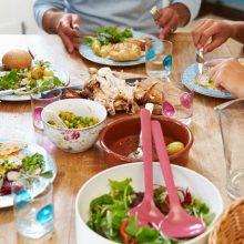 سید محدرضا صفایی بیان کرد: ممکن است برخیها پس از صرف غذا بخوابند که این مسئله برای دستگاه گوارش به هیچ عنوان مناسب نیست.