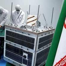 با اشاره به پروژههای فضایی سازمان فضایی : سازمان فضایی پروژه ماهواره «پارس یک» را تعریف کرده که این پروژه از طریق پنج دانشگاه فضایی کشور در حال اجرا است.