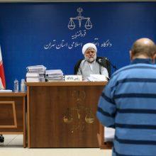 آغاز چهارمین جلسه دادگاه دو متهم نفتی : امروز ادامه رسیدگی به پرونده اتهامات متهم ردیف دوم پرونده فساد نفتی به ریاست قاضی مقیسه دنبال می شود.