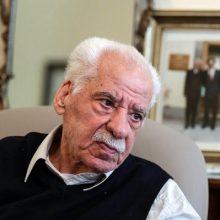عطاءالله بهمنش پس از یک ماه بستری شدن در بیمارستان به دلیل سکته مغزی، سرانجام ساعت ۲۲ و ۳۰ دقیقه امشب (یکشنبه) در بخش مراقبتهای ویژه تهران درگذشت.