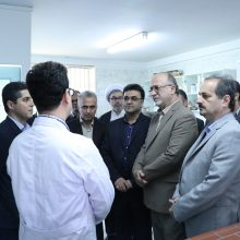 بازدید از بخشهای مختلف مرکز تحقیقات کرم ابریشم ایران در جلسهای که با حضور برخی از مدیران دستگاه های اجرایی و مدیران مراکز تحقیقاتی برگزارشد
