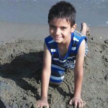گمشده : سرنوشت پسر هشت ساله که یک ماه پیش در حوالی امامزاده هاشم آمل مفقوده شده است، هنوز در هالهای از ابهام قرار دارد و هیچ خبری از او در دست نیست.
