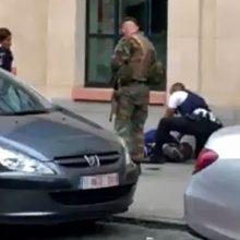 شبهنظامیان داعش مسئولیت حمله بروکسل را پذیرفتند. سربازانی که در حال گشتزنی بودند از سوی مهاجمی ۳۰ ساله هدف حمله با چاقو قرار گرفتند که در نتیجه آن ...