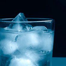 در این مطلب با ۱۰ خطر پنهان که با مصرف « نوشیدنیهای خیلی سرد » بدن را تهدید میکند، آشنا میشویم.یک روز گرم تابستانی را مجسم کنید که قرار است...