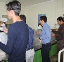 دکتر مجتبی صدیقی اظهار کرد: بر اساس تصمیم هیات امنای صندوق رفاه دانشجویان وزارت علوم،نرخ تغذیه دانشجویان تا سقف ۱۰ درصد افزایش یافت.