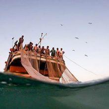 (مدیرعامل تعاونی صیادان چابهار : با اتفاقی که دو روز قبل برای دومین لنج ماهیگیری ایرانی افتاد، اکنون شمار صیادان ربوده شده به بیش از ۴۴ نفر رسیده است.