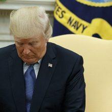 روزنامه آمریکایی نیویورک تایمز هشدار داد هیچ کس نمیتواند مانع صدور فرمان حمله هستهای از سوی ترامپ شود، کنگره بهتر است اختیارات ترامپ را محدود کند.