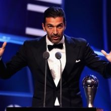 سنگربان یوونتوس به عنوان بهترین بازیکن فصل قبل رقابتهای سری A انتخاب شد.مراسم اعطای جوایز بهترینهای رقابتهای سریA برگزار شد. اسکار فوتبال ایتالیا