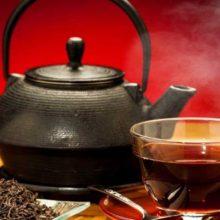 افرادی که روزانه چای داغ می نوشنددرمقایسه با کسانی که طرفدار نوشیدن چای نیستند، ۷۴ درصد کمتر در معرض ابتلا به گلوکوم (اب سیاه) قرار دارند. تقویت قدرت بینایی