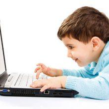 موبایل یکی از محصولات فناوری است که مزایای بی شماری دارد اما همین موبایل دوستداشتنی که نفس بسیاری از ما به آن وابسته است گاهی برای کودکان مضر و مخرب است.