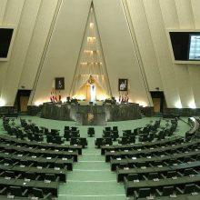 جمعی از نمایندگان در نامهای به آقای روحانی با اشاره به تقدیم طرح استیضاح وزرای کار و رفاه خواستار استعفای این وزرا پیش از بررسی استیضاح شدند. استعفای وزرای راه و کار