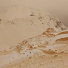 بارش برف نارنجیرنگ مردم کشورهای اروپای شرقی را شگفتزده کرده است.