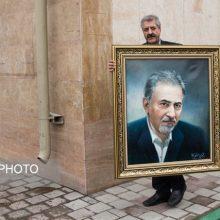 اعضای شورای شهر تهران سرانجام پس از کش و قوسهای فراوان با استعفای دوم محمدعلی نجفی شهردار تهران موافقت کردند و نجفی با رأی اعضا از ساختمان بهشت رفت.
