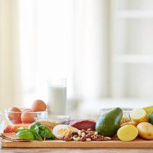 زمانی که موضوع سلامت مفاصل مطرح می شود، زردچوبه به واسطه محتوای کورکومین خود که یک ضد التهاب طبیعی قوی است به عنوان یک ابرماده غذایی شناخته می شود.