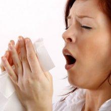 اگر دهان و بینی تان را موقع عطسه بسته نگه دارید، فشار کلی به سمت سرتان (سینوس ها)، حفرات بینی، انتهای گلو و داخل قفسه سینه برمی گردد.