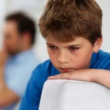 اوتیسم را نمیشناسیم و رفتاری که با بیماران اوتیسم میشود باعث شده است مجامع عمومی در سالهای اخیر برای معرفی این بیماری تلاش کنند، اما هنوز تا درک کامل یک بیمار اوتیسم راه طولانی و سختی در پیش است.