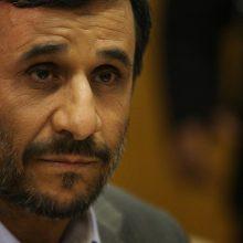 کانال تلگرامی دولت بهار منسوب به احمدینژاد، با اشاره به شایعه بازداشت وی این خبر را تکذیب کرد. بازداشت احمدینژاد