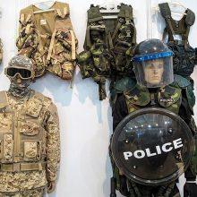 جانشین معاون هماهنگ کننده ناجا از آغاز فرایند تغییرات جدید لباسهای پلیس با هدف زیباتر و کاربردیتر شدن این لباسها خبر داد. پلیس ایران لباس