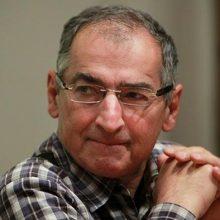صادق زیباکلام استاد علوم سیاسی دانشگاه تهران در گفتگوی مفصلی گفت: جریان تندرو آینده را از آن خودش میبیند. جریان تندرو میداند که با همین زاویه و شیب اگر جلو برویم،
