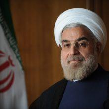 دکتر روحانی در پیام اینستاگرامی شامگاه جمعه خود نوشت: فیلتر و مسدودسازی اخیر تلگرام نه توسط دولت اجراشده و نه مورد تأیید دولت است.