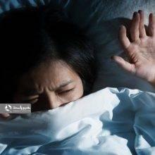 ممکن است بارها برایتان اتفاق افتاده باشد که نیمه شب از خواب بیدار شوید و احساس کنید جسمی روی بدنتان سنگینی میکند و نتوانید حرکت کرده یا فریاد بزنید. این پدیده رایج «فلج خواب» نام دارد. بختک