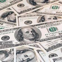 اگر همین رویه و نگاه تا پایان دولت نیز استمرار داشته باشد بدون هیچ تردیدی با سونامی نقدینگی مواجه خواهیم بود. دلار 25 هزار تومان