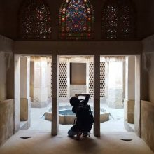 """""""الهام آزمند"""" جوان هنرمند و عکاس با سابقه گیلانی یکی از شاخص های این موضوع محسوب میگردد."""