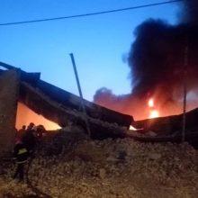 آتشسوزی شدید در انبار لوازم بهداشتی در جاده جیرده - رشت
