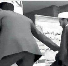 ماجرای عجیب دعوای امام جمعه با بخشدار سر گرفتن میکروفن!/ فیلم
